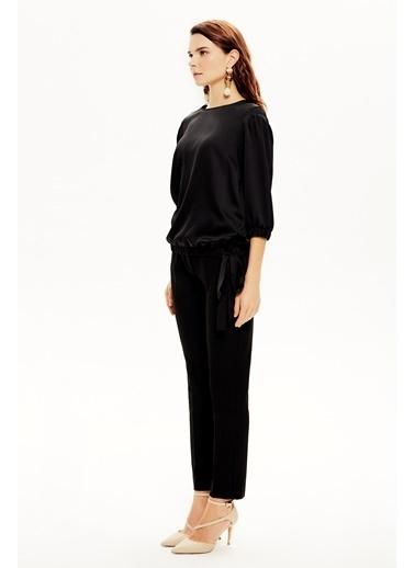 NaraMaxx Bağcıklı Truvakar Kol Bluz Siyah